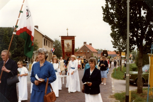 Processie in Loo, september 1982.